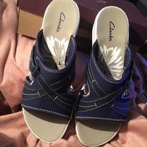 NEW Clark's Daisy Drift Sandals  Blue 11M